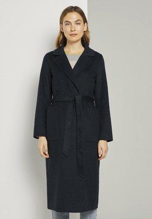 MIT BINDEGÜRTEL - Classic coat - sky captain blue