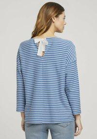 TOM TAILOR DENIM - Long sleeved top - mid blue melange white stripe - 2