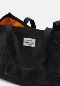 Mads Nørgaard - BEL ONE CANE - Tote bag - black - 3
