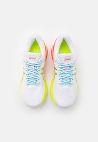 ASICS - GEL-KAYANO 27 LITE-SHOW - Stabilty running shoes - white/pure silver - 3