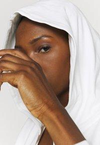 Puma - PAMELA REIF X PUMA COLLECTION FULL ZIP HOODIE - veste en sweat zippée - star white - 3