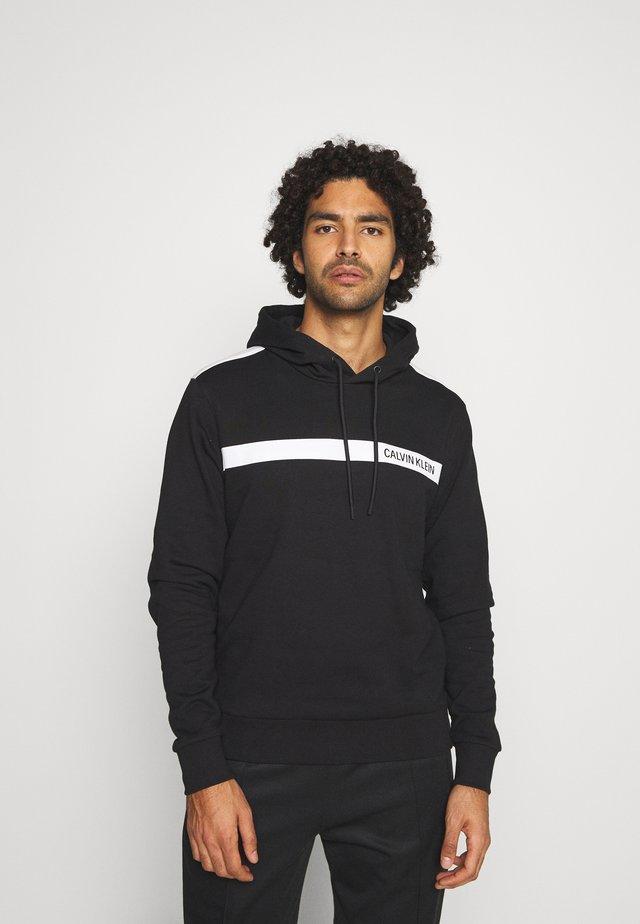 BOLD STRIPE LOGO HOODIE - Sweatshirt - black