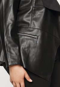 Dorothy Perkins Curve - WATERFALL JACKET - Faux leather jacket - black - 5
