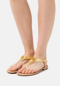 Lauren Ralph Lauren - METALLIC ELLINGTON - T-bar sandals - modern gold - 0