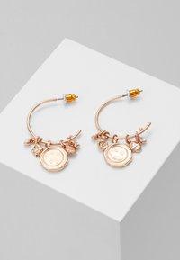 Pilgrim - EARRINGS AIR - Náušnice - gold-coloured - 0