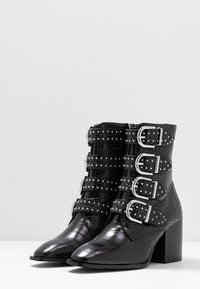 Faith - BRILLIANT - Cowboy/biker ankle boot - black - 4