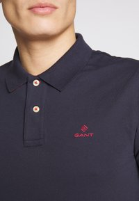 GANT - CONTRAST COLLAR RUGGER - Pikeepaita - evening blue - 5