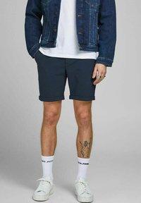 Jack & Jones PREMIUM - JJICONNOR - Shorts - navy blazer - 0
