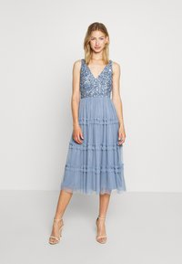 Lace & Beads - MARYAM MIDI - Cocktail dress / Party dress - dusty blue - 0
