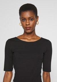 Anna Field Tall - Basic T-shirt - black - 3