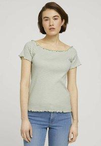 TOM TAILOR DENIM - CARMEN - Print T-shirt - green - 0