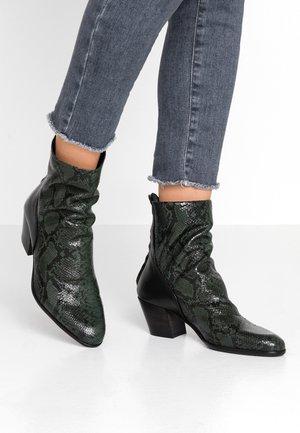 FEDORA - Classic ankle boots - baikal
