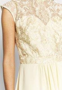 Chi Chi London - JAENIE DRESS - Vestido de fiesta - yellow - 5