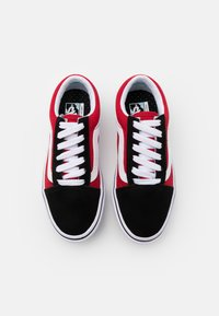 Vans - COMFYCUSH OLD SKOOL - Trainers - black/red - 3