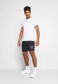 Tommy Hilfiger - GRAPHIC - Sports shorts - blue - 1