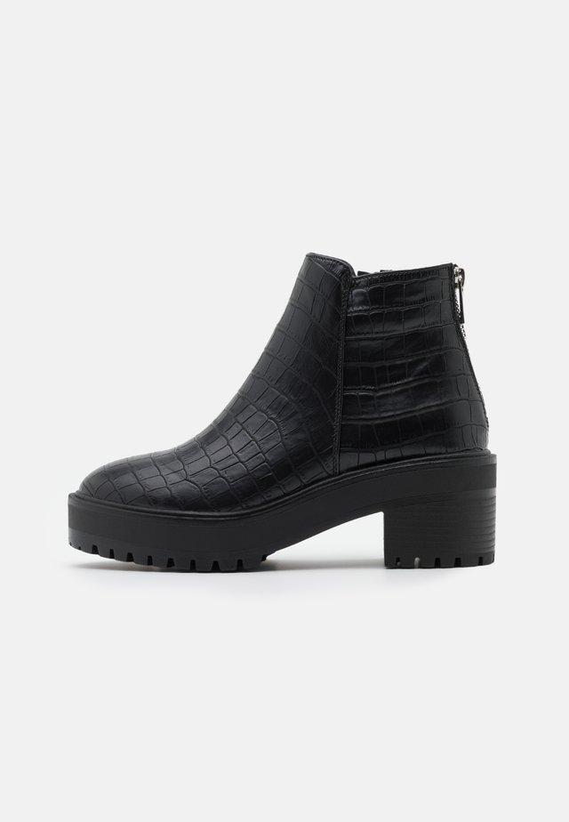 VMMELBA BOOT - Platform ankle boots - black