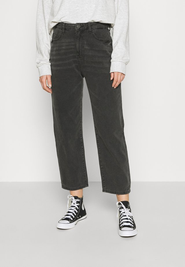 NMBROOKE SLIM DAD - Jeans straight leg - black denim