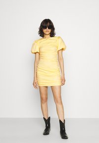 Nly by Nelly - THE CUTEST RUCHED DRESS - Cocktail dress / Party dress - light yellow - 1