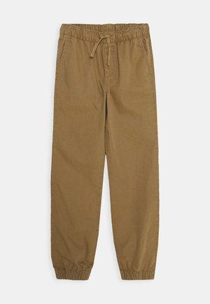 BOYS JOGGER - Pantalones - cream caramel