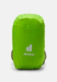 Deuter - FUTURA 27 UNISEX - Backpack - ivy/khaki - 3