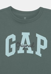 GAP - BOY LOGO - T-shirt z nadrukiem - district green - 2