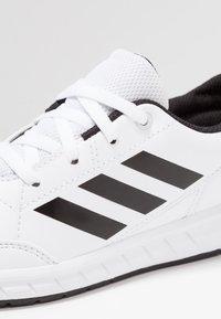 adidas Performance - ALTASPORT - Gym- & träningskor - footwear white/core black - 2