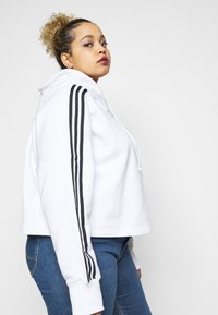 adidas Originals - CROPPED HOOD - Hoodie - white