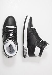 Bikkembergs - SIGGER - High-top trainers - black/white - 1