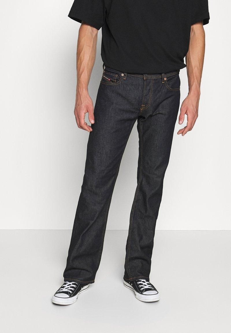 Diesel - ZATINY-X - Bootcut jeans - 009HF 01