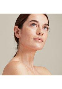 Pai Skincare - THE IMPOSSIBLE GLOW - Serum - - - 4