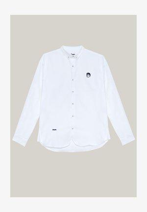 AKITO ESSENTIAL - Shirt - white