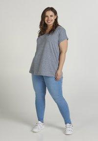 Zizzi - T-shirts - dark blue - 1