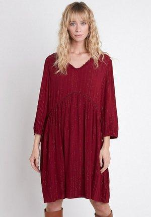 Day dress - rouge foncé