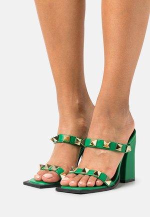 WINSLET - Slip-ins med klack - green