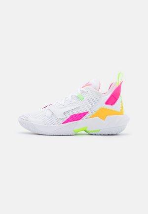 WHY NOT ZER0.4 - Obuwie do koszykówki - white/citron pulse/hyper pink/lime glow