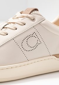 Coach - Trainers - chalk/taupe - 2