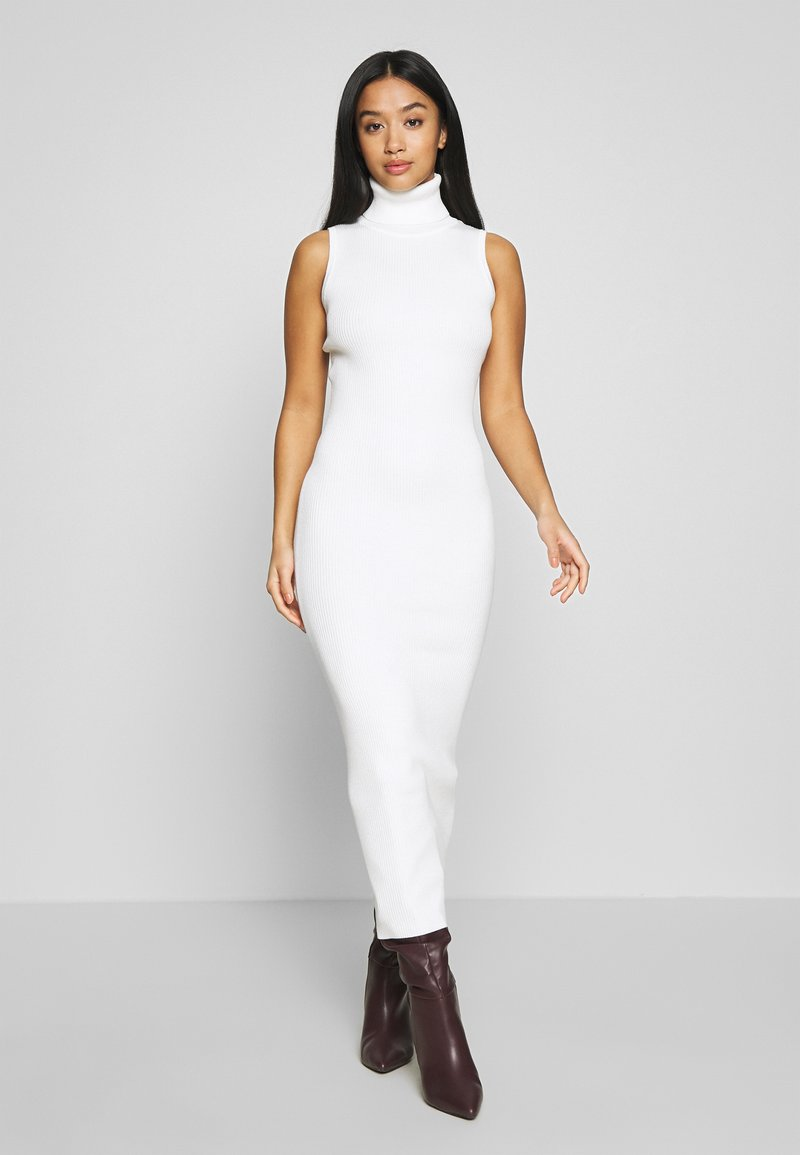 Missguided Petite - ROLL NECK SLEEVELESS DRESS - Gebreide jurk - white