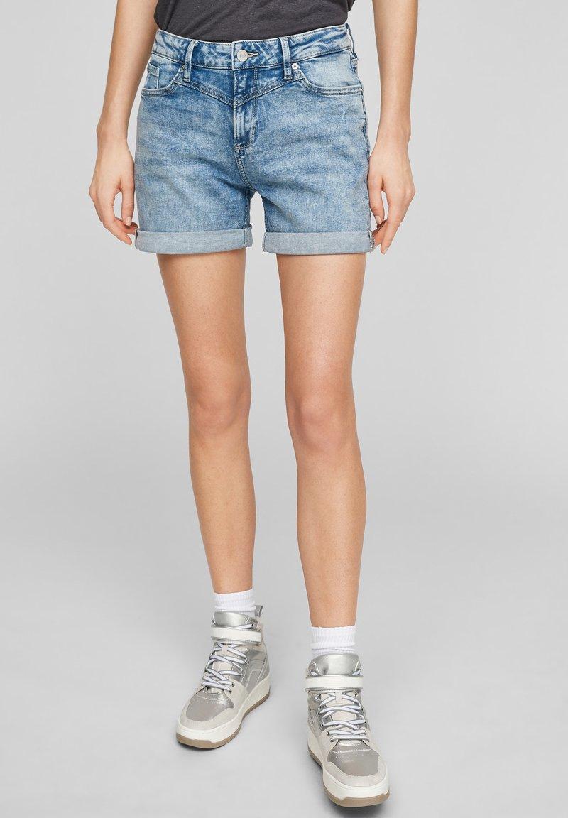 QS by s.Oliver - Denim shorts - light blue