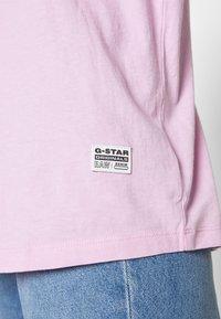 G-Star - LASH FEM LOOSE - Basic T-shirt - lavender pink - 5