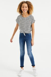 WE Fashion - MET DESSIN EN KNOOPDETAIL - Blouse - all-over print - 1