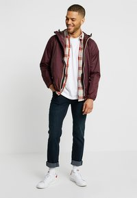 K-Way - CLAUDE LE VRAI UNISEX - Summer jacket - red - 1