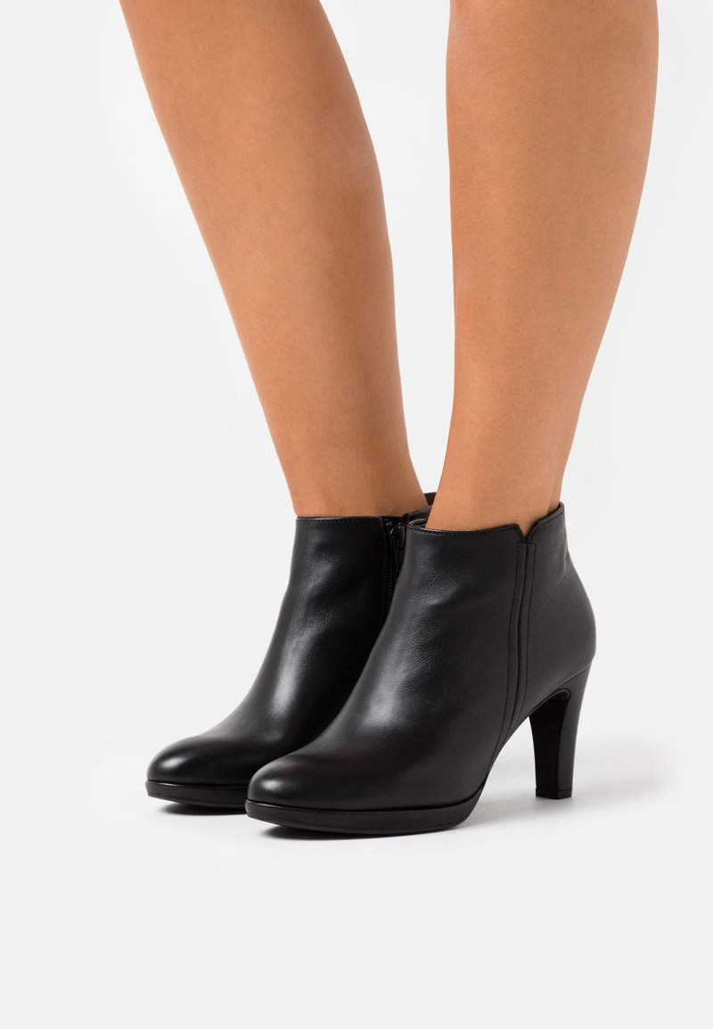 Gabor - High heeled ankle boots - schwarz