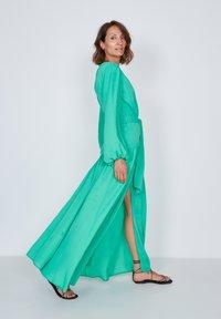 True Violet - Maxi dress - green - 1