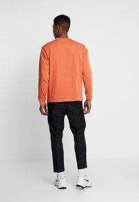Mennace - ESSENTIAL SIGNATURE POCKET  - Long sleeved top - orange - 2