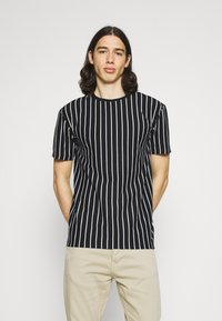 Newport Bay Sailing Club - 2 PACK - Print T-shirt - black / burgundy - 3