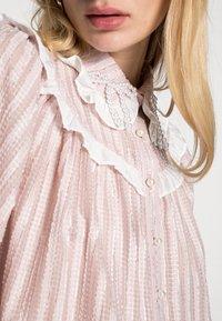 Sister Jane - GARDEN PEARL RUFFLE BLOUSE - Blouse - pink - 4