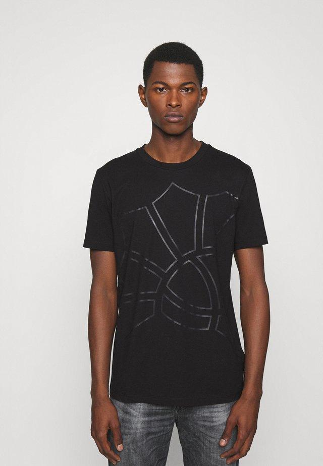 CHANNING - Print T-shirt - black