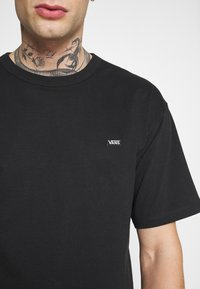Vans - OFF THE WALL CLASSIC - T-shirt basic - black - 5