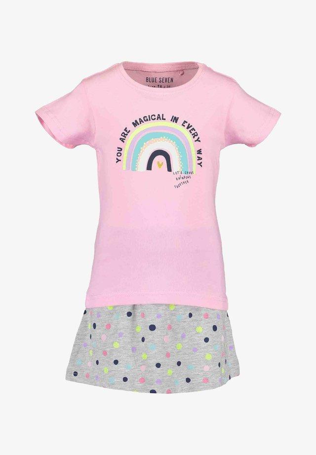 HAPPY DAYS - T-shirt z nadrukiem - azalee