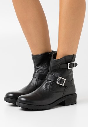 LOOKY - Cowboy/biker ankle boot - noir